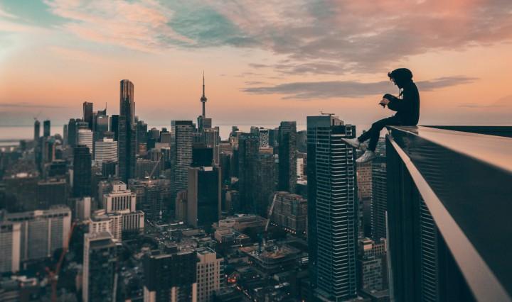 Overlooking the city. Image: Yeshi Kangrang on Unsplash